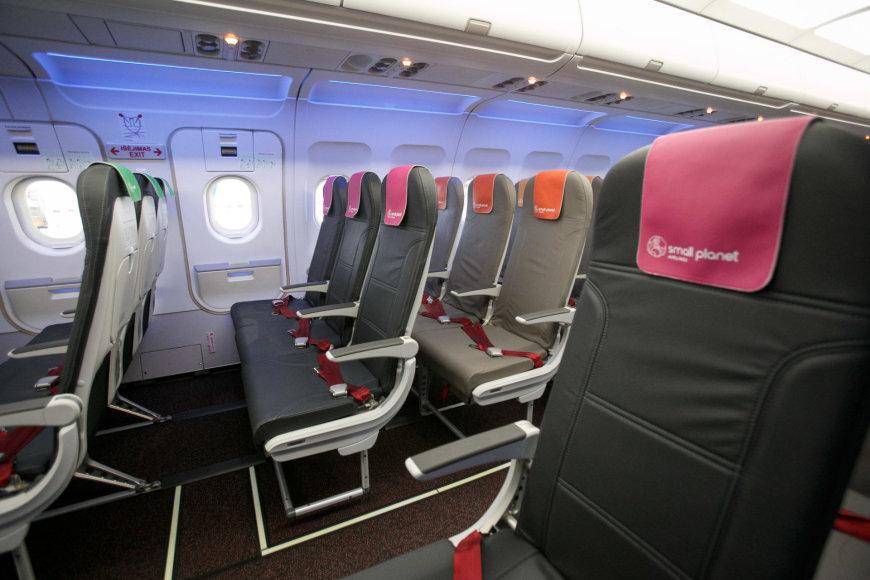 Naujos SPA orlaivių kėdės – lengvesnės, plonesnės ir patogesnės