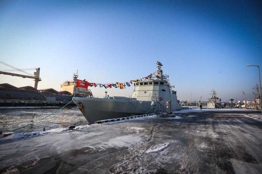 """Naujam karinių jūrų pajėgų laivui suteiktas """"Sėlio"""" vardas."""