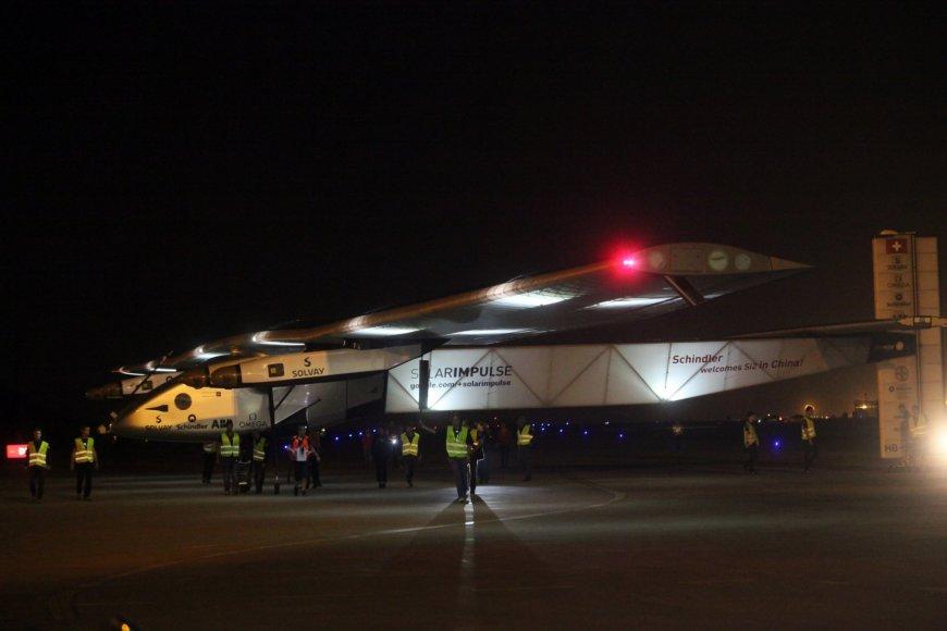 """""""Solar Impulse 2"""" lėktuvas Kinijoje"""