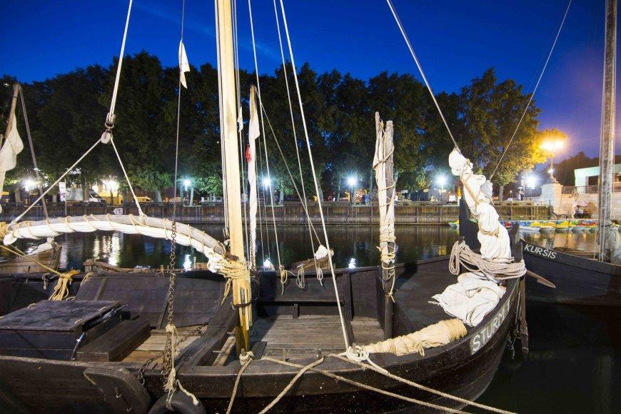 Klaipėdoje sutikta 15 istorinių laivų flotilė
