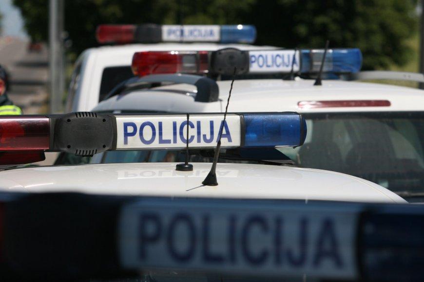 Šiauliuose policija krečia futbolo sirgalius iš Lenkijos