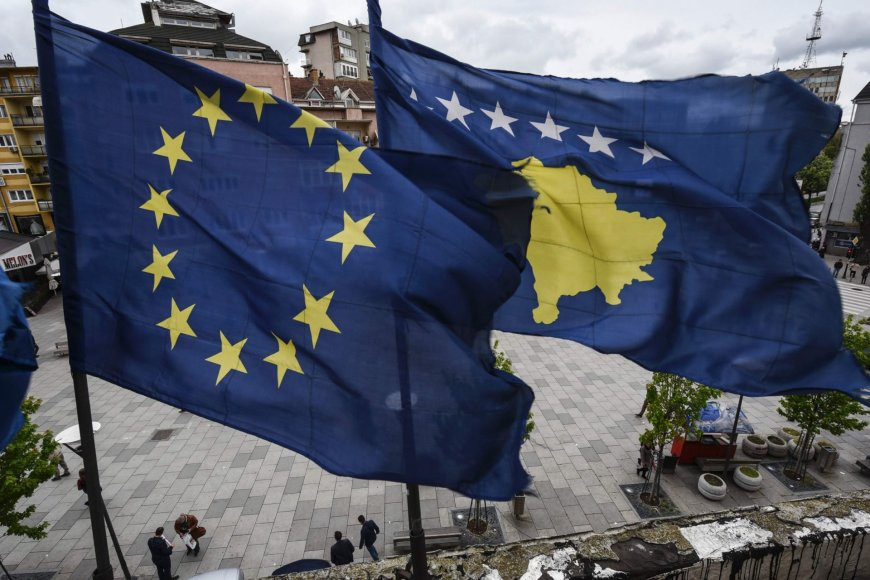 ES ir Kosovo vėliavos