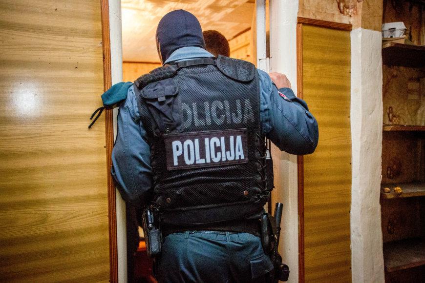Vilniuje sulaikyta narkotikų platinimu įtariama nėščia nepilnametė