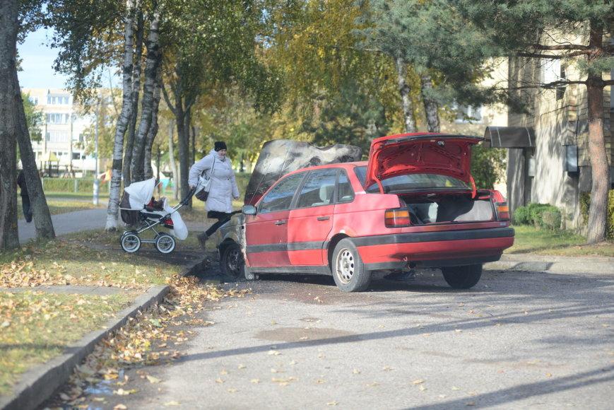 Palangoje Sodų gatvėje sudegė automobilis