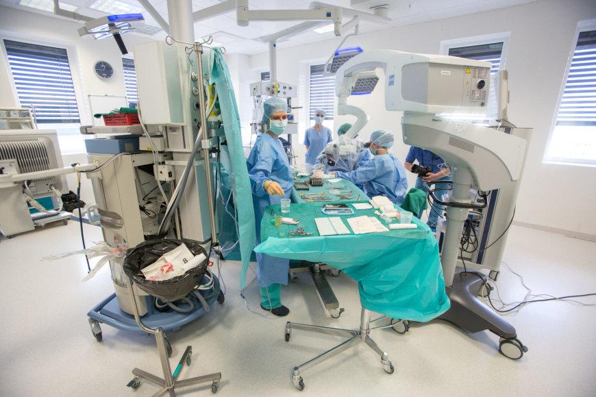 Ausies operacija Santariškių klinikoje