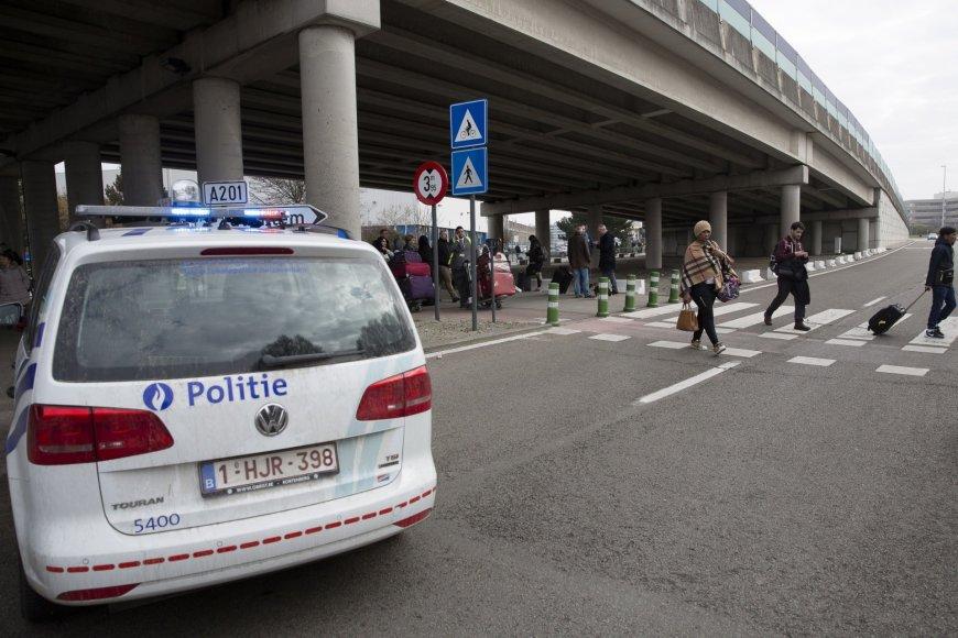 Briuselis po sprogdinimų oro uoste ir metro stotyje
