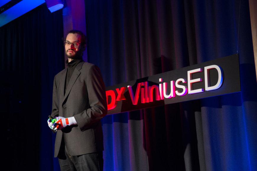 """Idėjų konferencijos """"TEDxVilniusED"""" akimirka."""