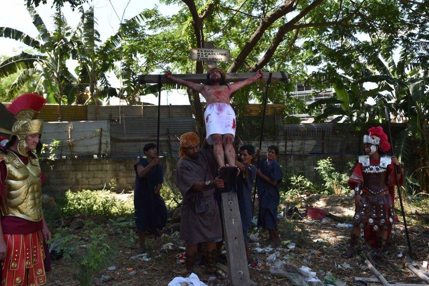 Nukryžiavimas Filipinuose