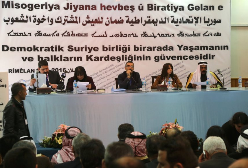 Kurdai paskelbė federacinį regioną Sirijos šiaurėje
