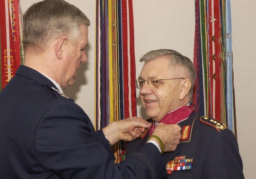Generolas Haraldas Kujatas