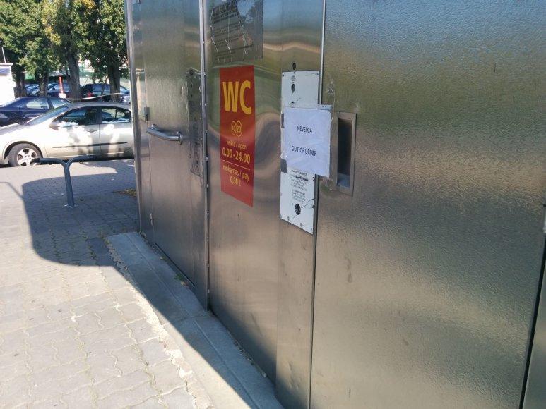Išplėštas tualetas Klaipėdos centre