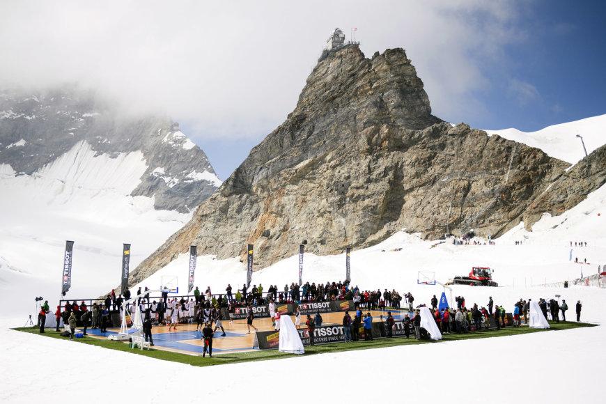 Krepšinio rungtynės Šveicarijos kalnuose