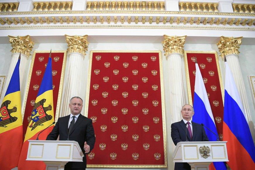 Igoris Dodonas ir Vladimiras Putinas