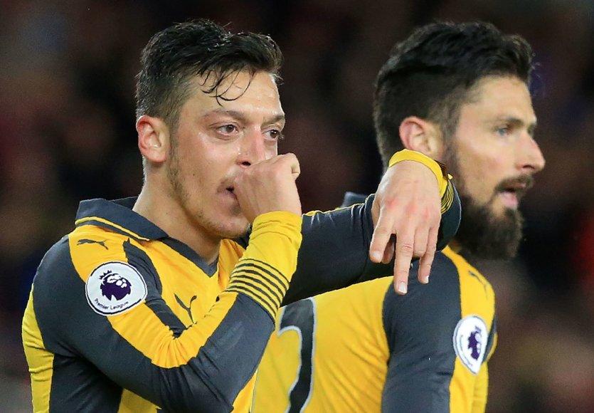 """M.Ozilas ir """"Arsenal"""" laimėjo Anglijos lygoje"""