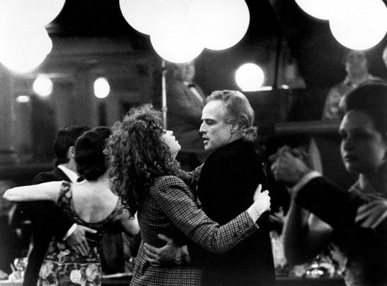 """Vida Press nuotr./Maria Schneider ir Marlonas Brando filme """"Paskutinis tango Paryžiuje"""" (1972 m.)"""