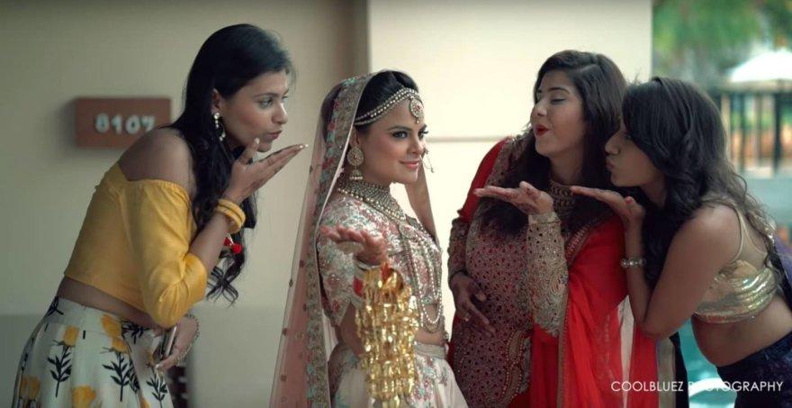 Amisha Bhardwaj su draugėmis