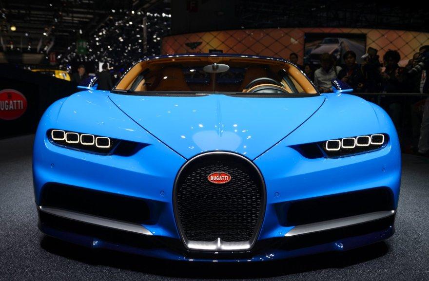 """""""Bugatti Chiron"""" Ženevoje"""