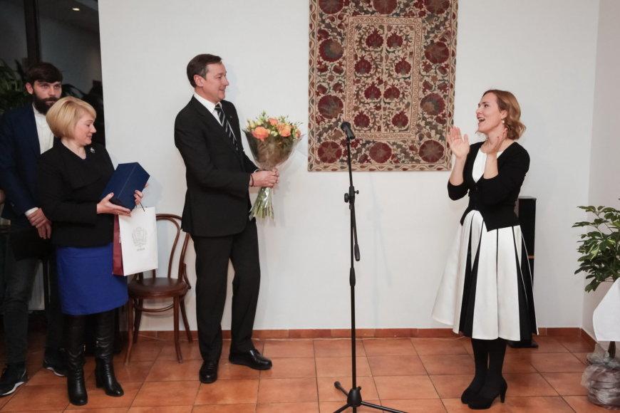 Redą Sutkuvienę pasveikino Vilniaus meras Artūras Zuokas
