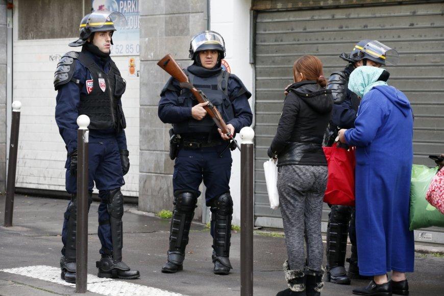 Paryžiuje nukautas užpuolikas