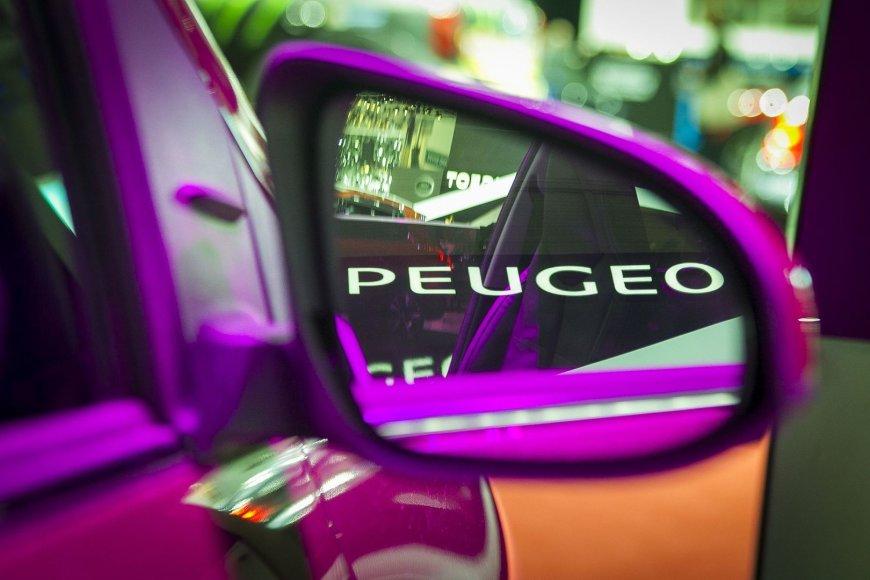 """Prancūziškai-japoniško """"Peugeot 108"""" pasirodymas Ženevoje"""