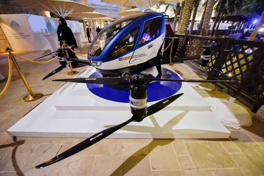 """""""Ehang 184"""" skraidyklė Pasaulio viršūnių suvažiavime"""
