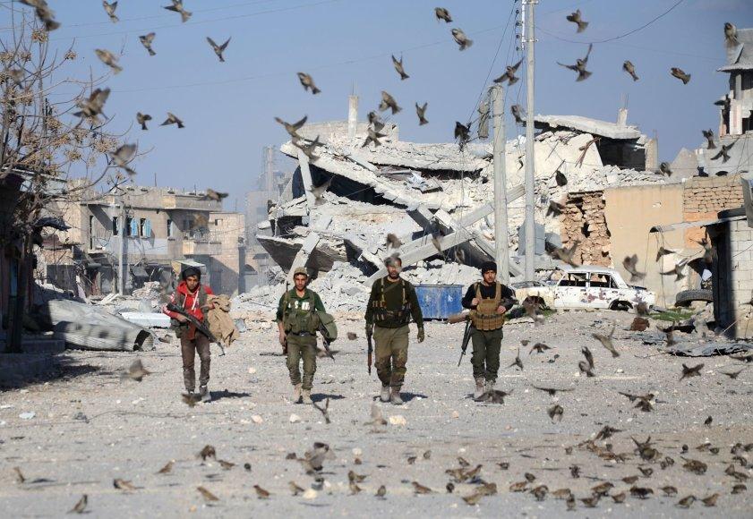 Sirijos sukilėliai atkovotame Babo mieste