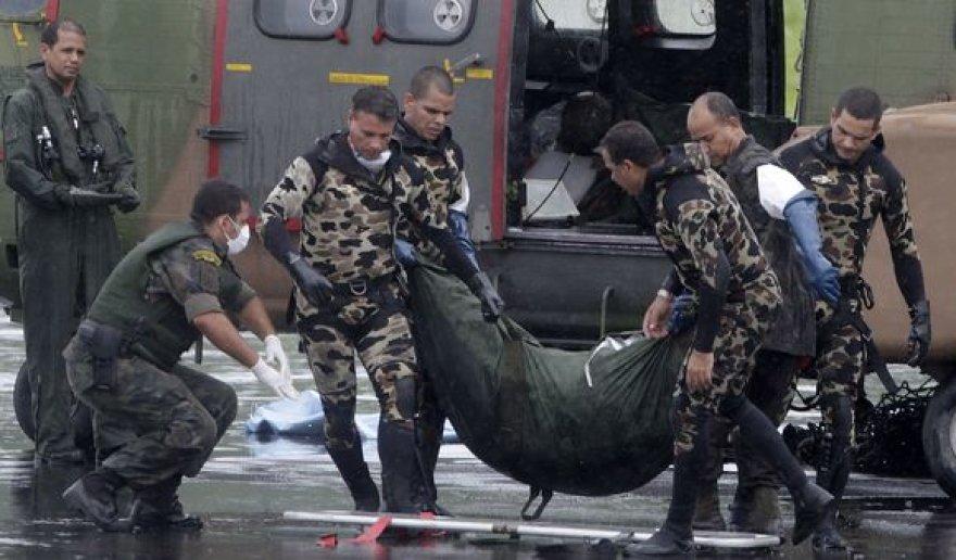 Pargabenti lėktuvo katastrofos vietoje rasti lavonai.