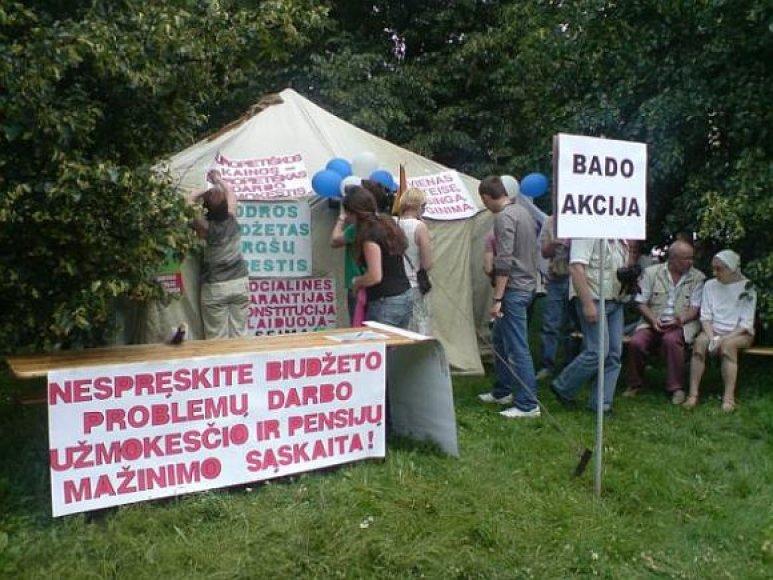 Profsąjungų bado akcija prie Seimo