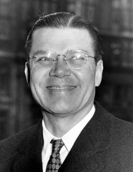 Robertas McNamara