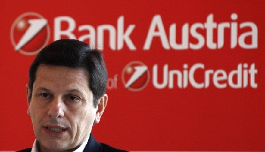 Gianni Franco Papa, vienas UniCredit vadovų
