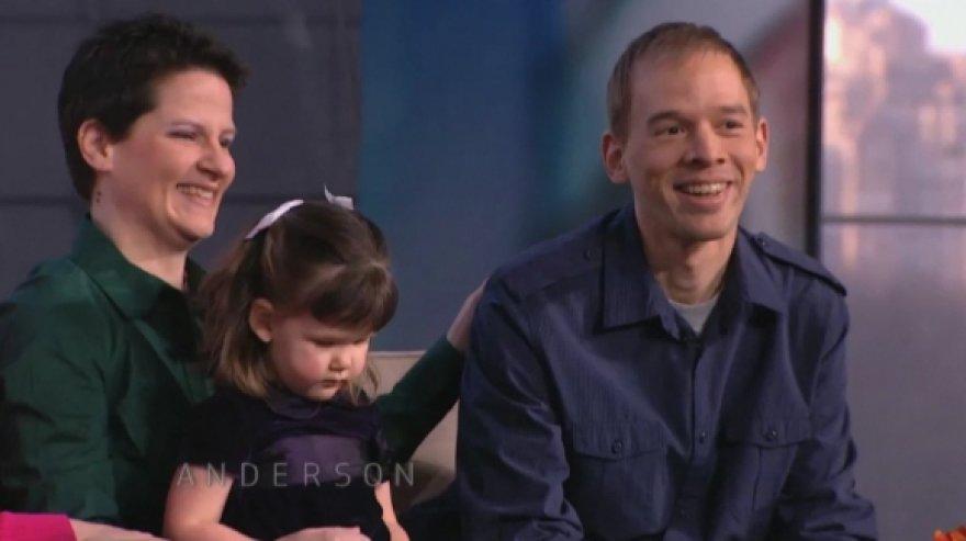 Trentas Arsenault susijaudino, kai pamatė vieną iš savo biologinių dukrų.