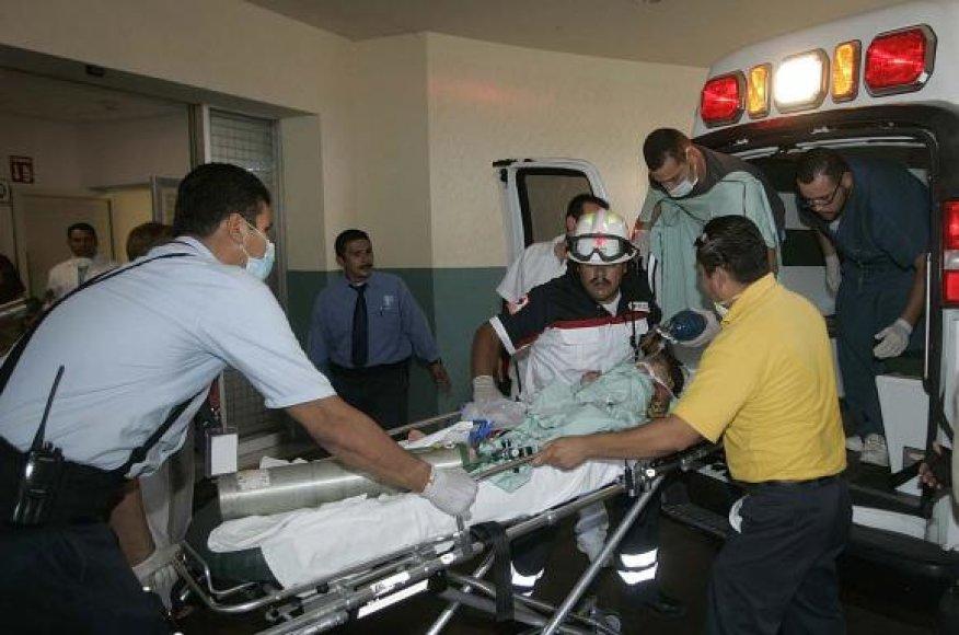 Iš gaisro išgelbėtas vaikas atgabentas į ligoninę.