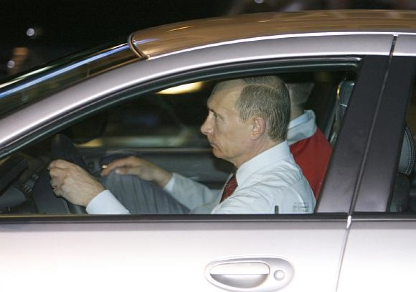 Vladimiras Putinas taip pat nemėgsta saugos diržų