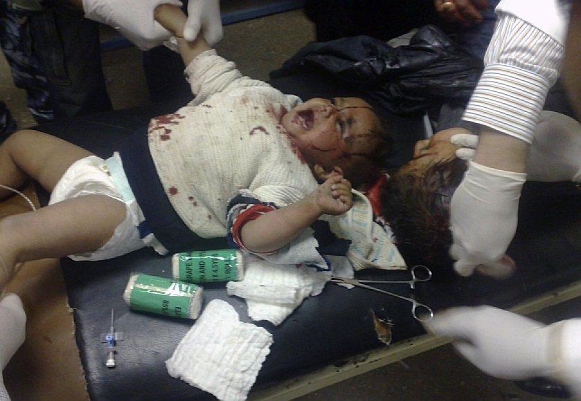Sužeistiesiems per sprogimus Ramadžio centre suteikiama pagalba.
