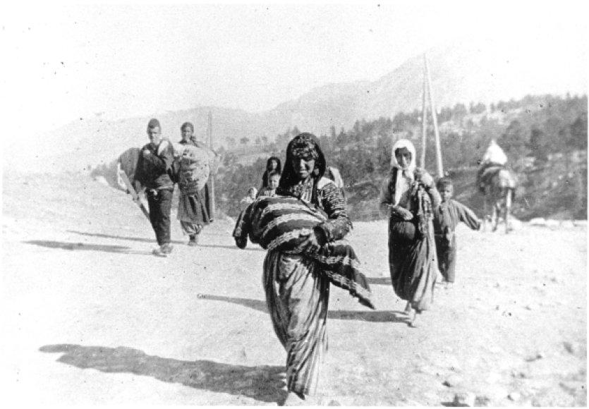 Deportuotų armėnų šeima Pirmojo pasaulinio karo metais