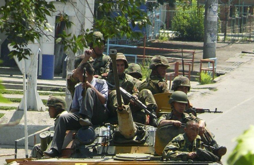 Kirgizijos kariai Ošo gatvėje