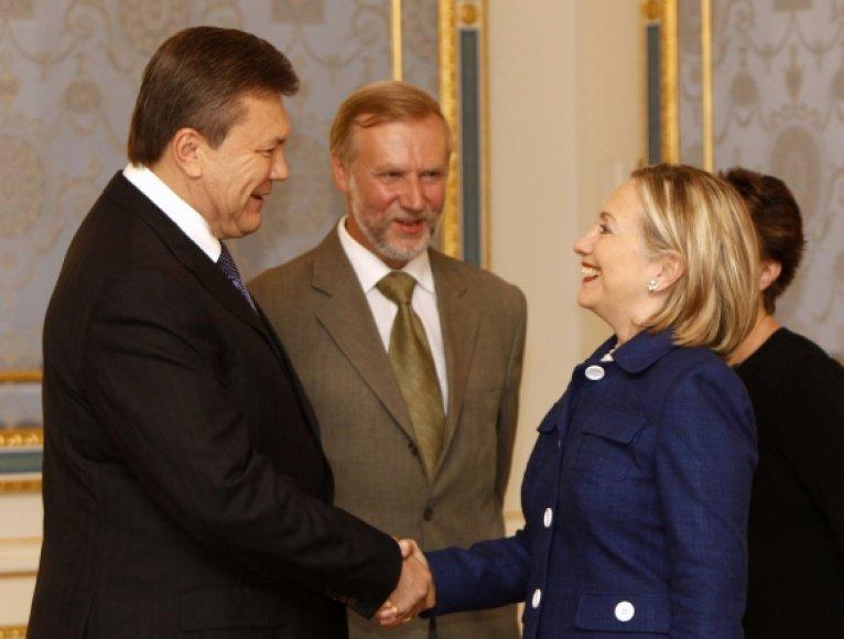 Viktoras Janukovyčius ir Hillary Clinton