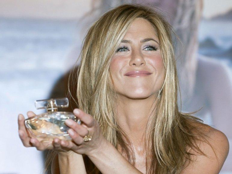 Jennifer Aniston pristatė savo vardo kvepalus.