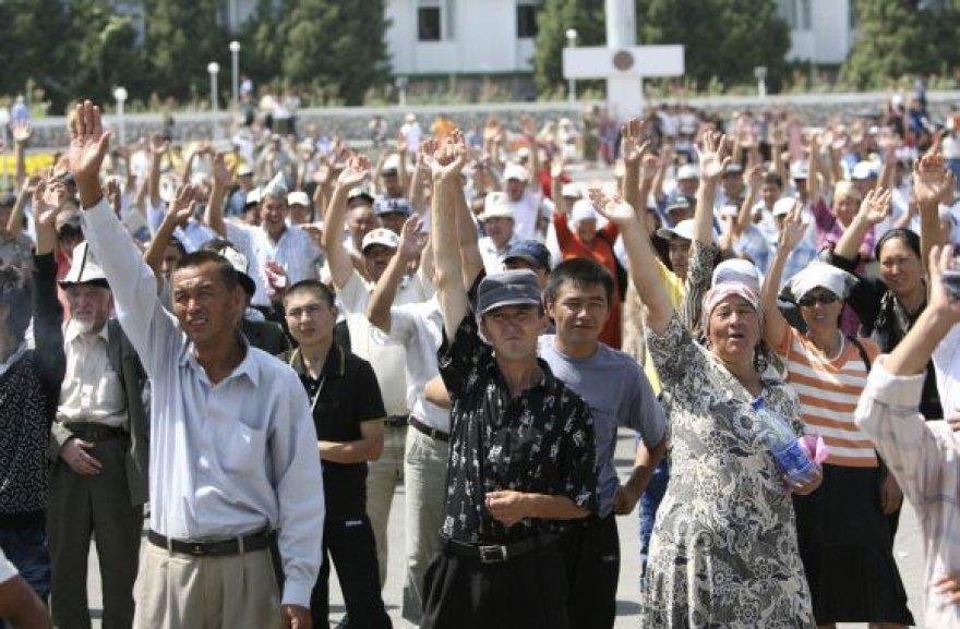 Neramumai Kirgizijoje nesibaigia.
