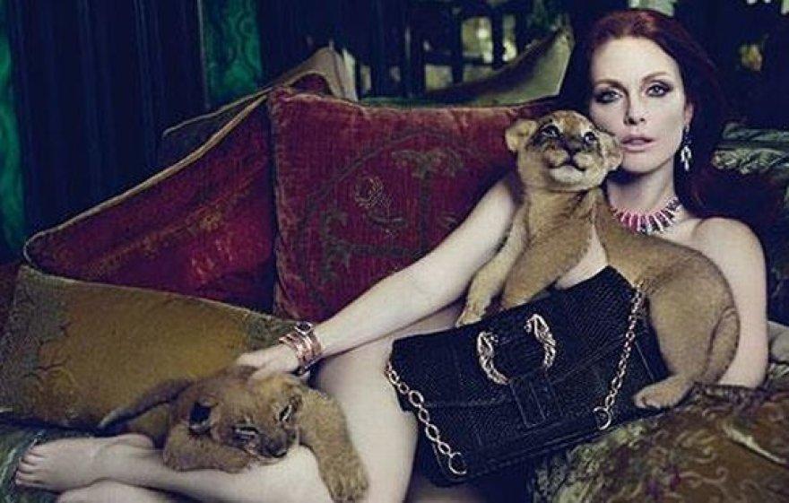 Ši reklama su Julianne Moore pasirodė esanti netinkama Venecijai.
