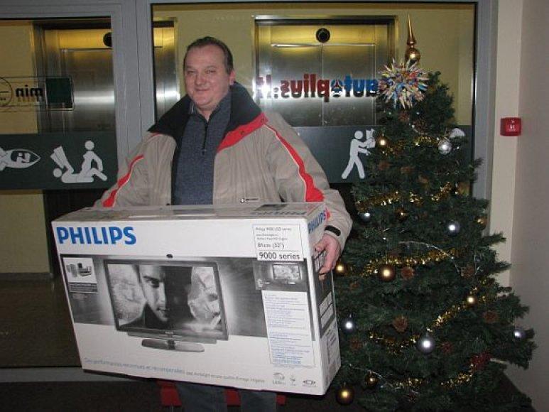 Viktorinos laimėtojas Vilius Urba kalėdines laidas žiūrės per naują televizorių.