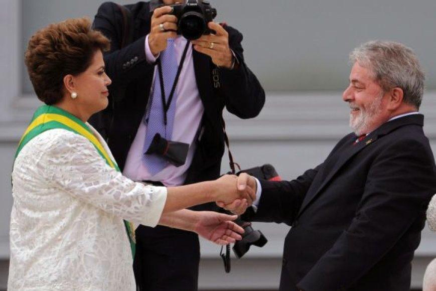 Naujoji Brazilijos prezidentė Dilma Rousseff perima valdžios įgaliojimus iš savo pirmtako Luizo Inacio Lulos da Silvos.
