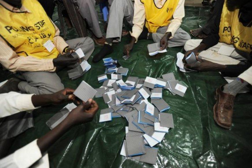 Pietų Sudane skaičiuojami referendumo rezultatai.