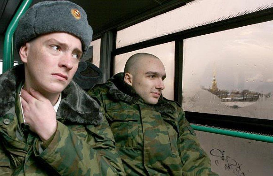 Ketvirtis Rusijos karių linkę į savižudybę, kas dešimtas yra vartojęs narkotikus.