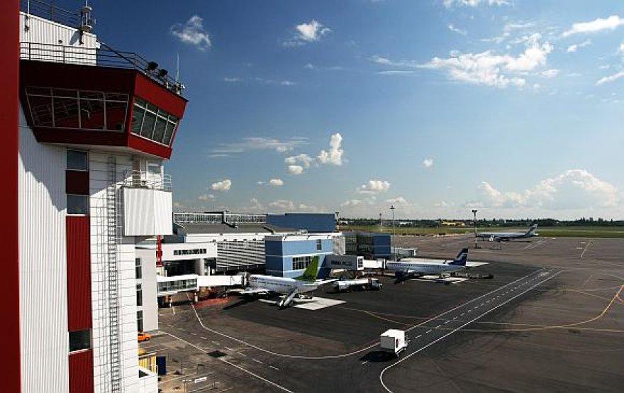 Vilniaus oro uosto pakilimo takas kol kas per trumpas tiesioginiams skrydžiams į Ameriką.