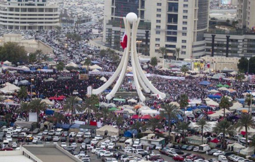 Protestuotojai Manamos Perlų aikštėje