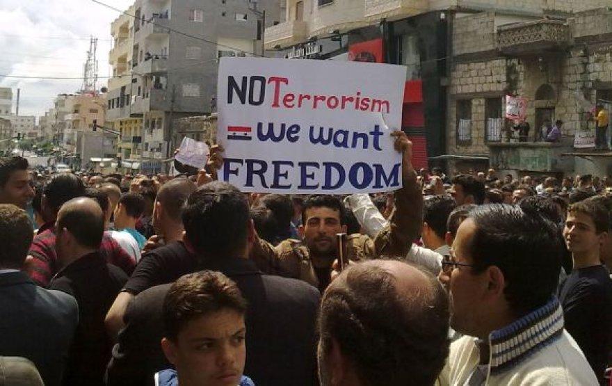 Protestai Sirijoje nesiliauja.