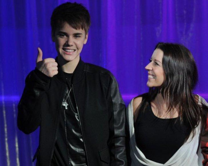 Justinas Bieberis su motina Pattie Mallette