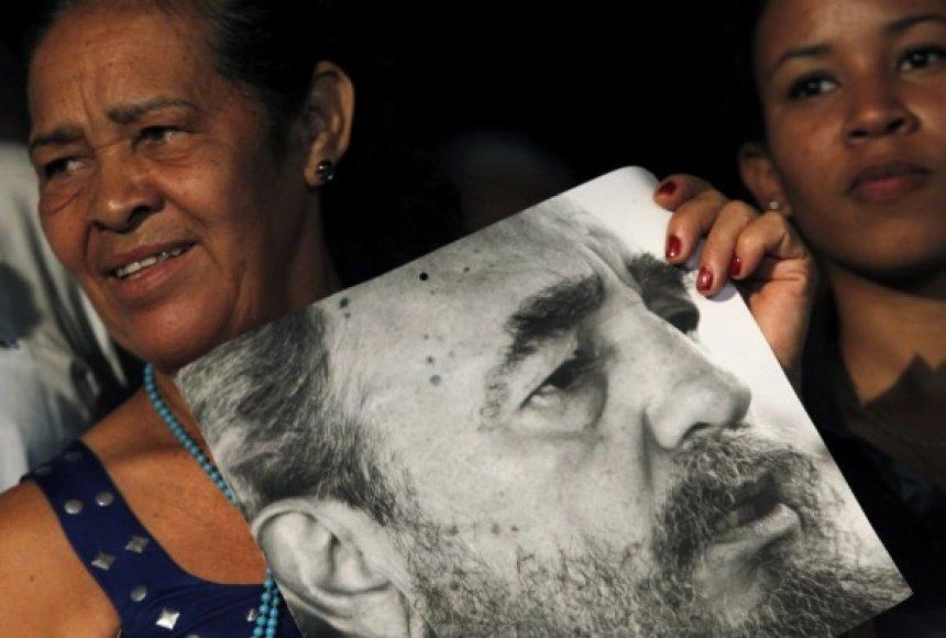 Kuba švenčia Fidelio Castro jubiliejų.