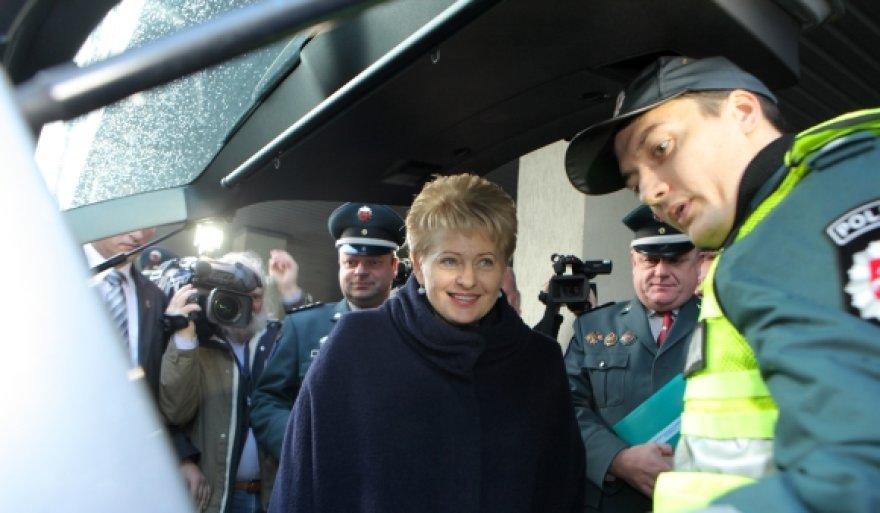 Dalia Grybauskaitė su policijos pareigūnais